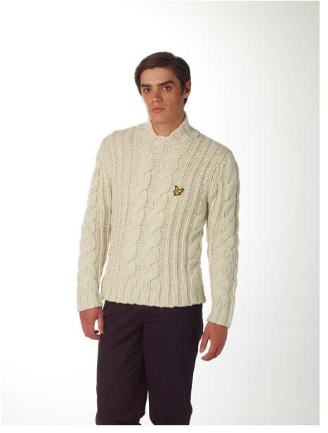 Lyle & Scott Christmas Collection - Cable Knit Sweater in Cream